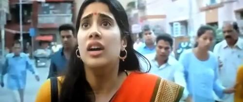 Dhadak 2018 Hindi NEW V2 1GB PreDvDRip x264 AAC xRG.mkv snapshot 02.09.03.137