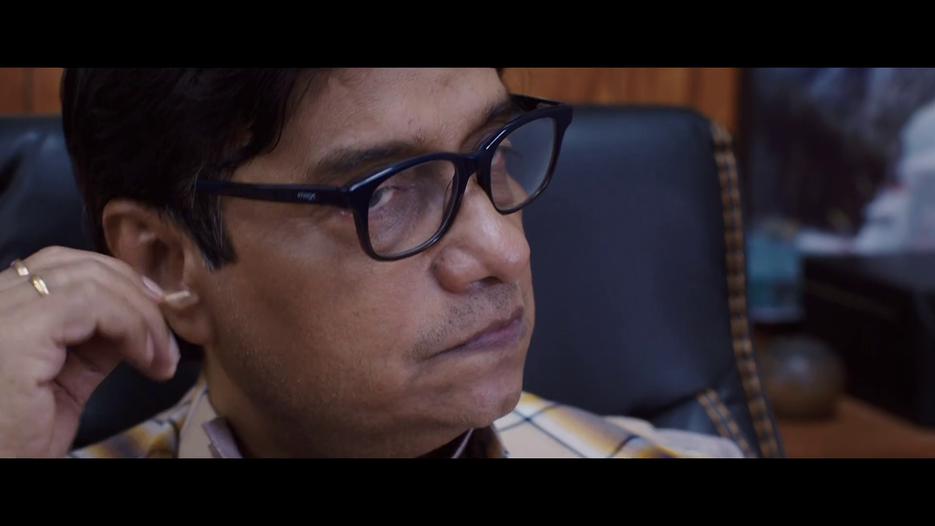 Batti Gul Meter Chalu (2018) 1080p - WEB HD - AVC - AAC-Team IcTv Exclusive